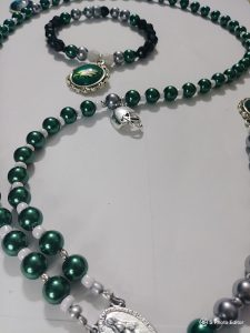"""Eagles"" Rosary & Matching wrist bracelet"