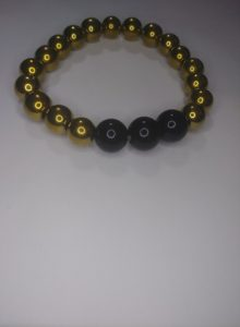 """""""Black and gold"""" wrist beads"""